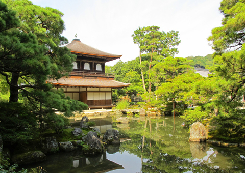 Walk Japan For a Unique Experience Into The Japanese Art of Living